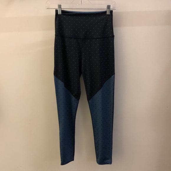 Beyond Yoga Pants - Beyond Yoga black and blue legging, sz S, 70924